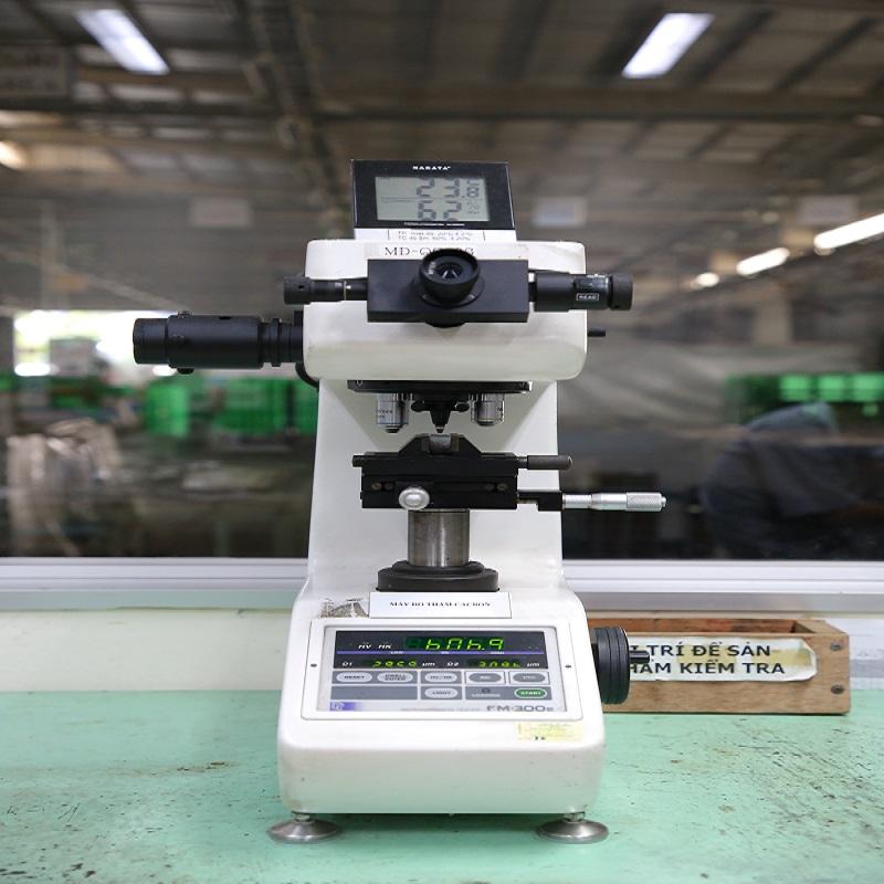 Máy đo độ cứng HV